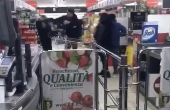 Aggredito un cinese dentro un supermercato