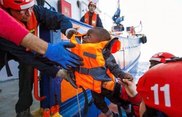 Autorizzato lo sbarco a Messina per i 158 naufraghi dell'Aita Mari