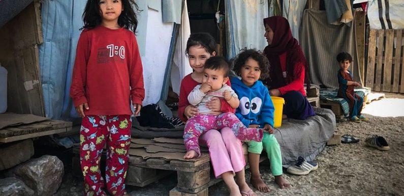 Oltre 40mila rifugiati in campi che ne potrebbero ospitare 5mila. Le condizioni devastanti dei migranti in Grecia e l'indifferenza dell'Europa