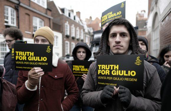 """Perché i genitori di Giulio Regeni rifiutano l'etichetta di """"genitori della vittima"""""""