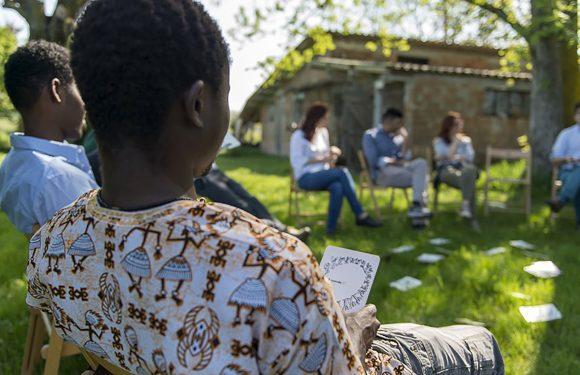 Prima le persone: le comunità che accolgono gli esclusi dal sistema