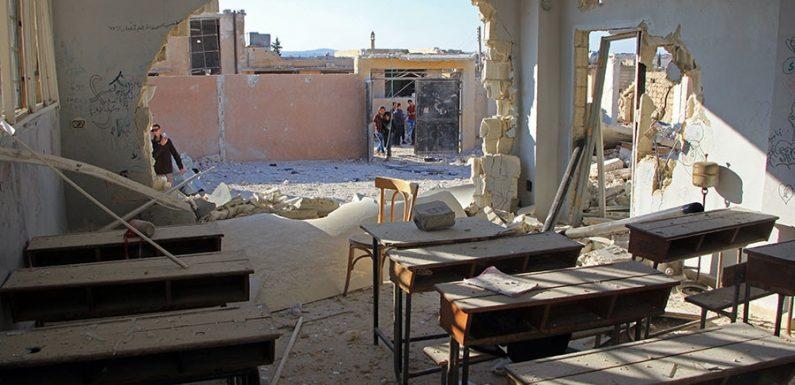 Siria, bombe sulle scuole di Idlib