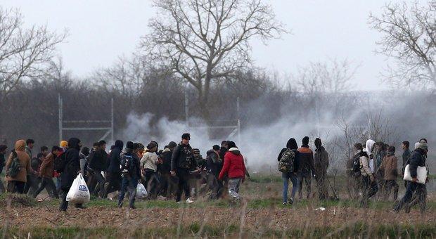 Caccia al rifugiato! Fuoco incrociato tra Grecia e Turchia
