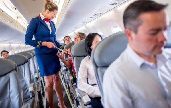 Ladies and gentlemen mantenete la calma, questo aereo continuerà a volare.