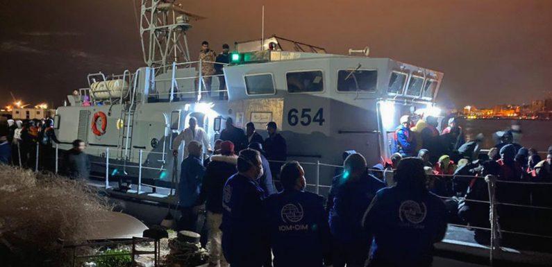 Porti non sicuri e quarantene al largo: il diritto alla salute non vale per chi arriva via mare