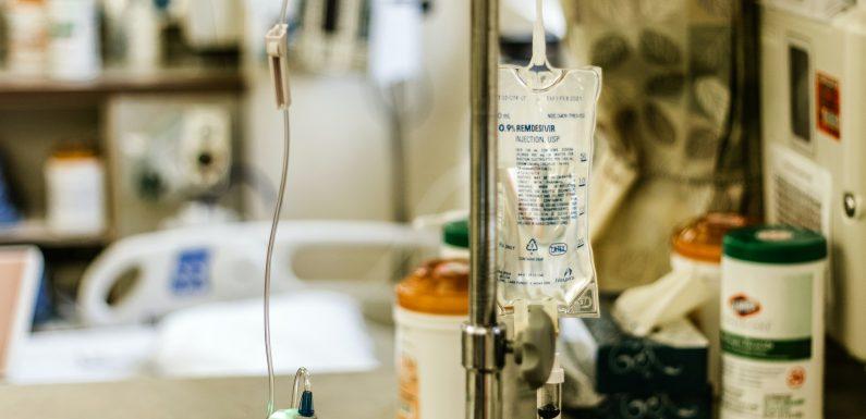 Remdesivir, il farmaco antivirale pubblicizzato come possibile trattamento per il coronavirus. Cosa sappiamo