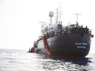 Tavolo Asilo Nazionale, l'Italia resta un porto sicuro per gli stranieri soccorsi in mare