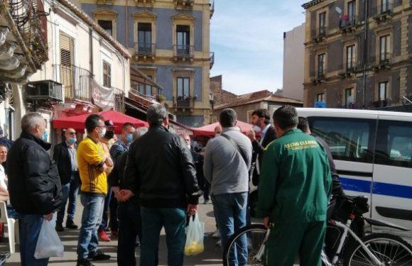Catania, comizio al mercato