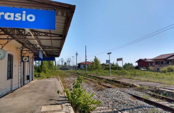 La chiusura di una ferrovia in Piemonte che lascia a piedi una valle