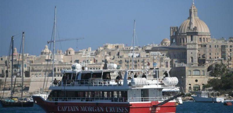 Malta e Italia, quei migranti nelle navi quarantena tenuti lontani da noi