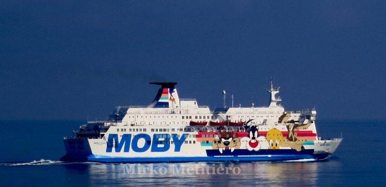 Migrante si tuffa dalla nave quarantena Moby Zaza e muore