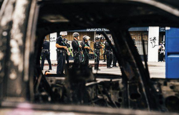 Da Genova 2001 a George Floyd: la violenza della polizia è quella del sistema. Che va ripensato