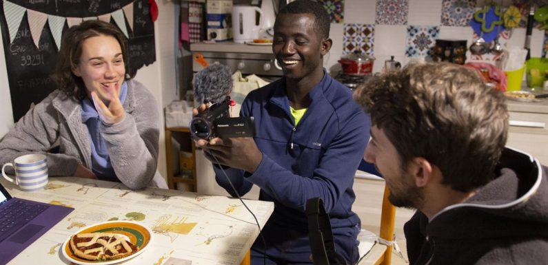 Da rifugiati a videomakers