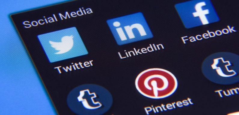 Francia, bocciata la legge che obbliga le piattaforme online a rimuovere contenuti di odio entro un'ora