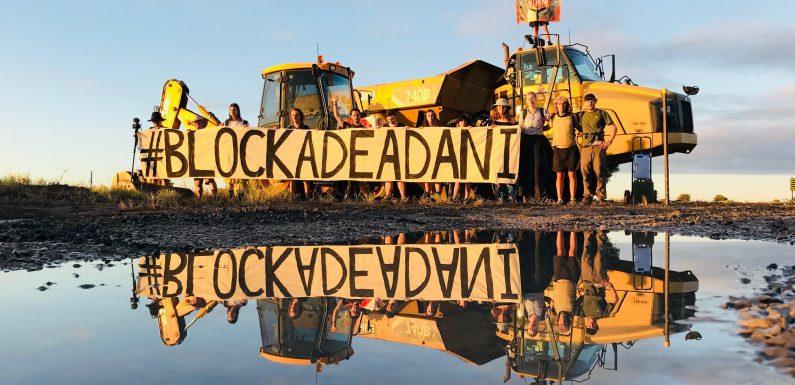 In Australia la corsa al carbone si paga a caro prezzo. Una campana per Intesa Sanpaolo
