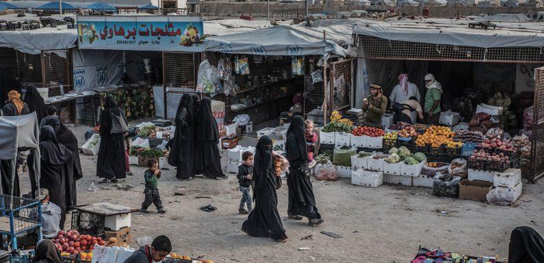 In Siria, tra le donne yazide rapite dall'Isis. Attendono di tornare in Iraq, dalle loro famiglie