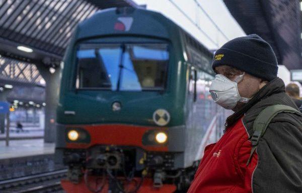 Senza mascherina niente treno