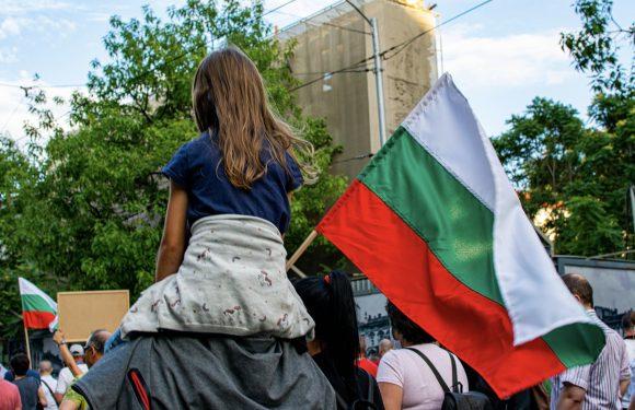"""Bulgaria, non si fermano le proteste contro il governo accusato di corruzione: """"Fuori la mafia dal governo"""""""
