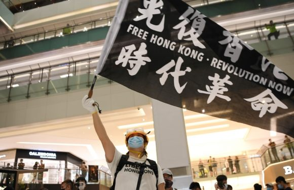 La Cina approva in segreto la legge sulla sicurezza di Hong Kong. Si scioglie il partito pro-Democrazia, attivisti e dissidenti ora hanno paura