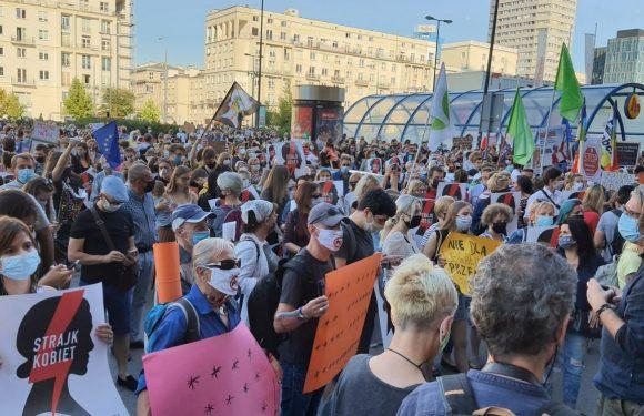 La Polonia annuncia l'uscita dalla Convenzione europea sulla prevenzione e la lotta alla violenza contro le donne