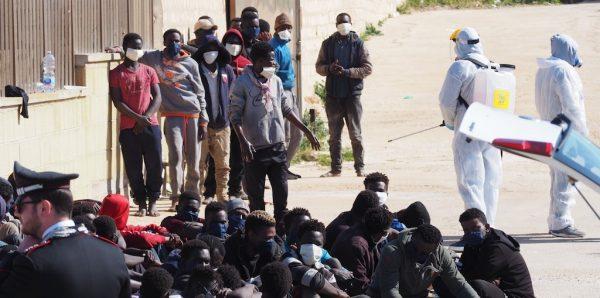 L'Europa civile denuncia il governo razzista greco