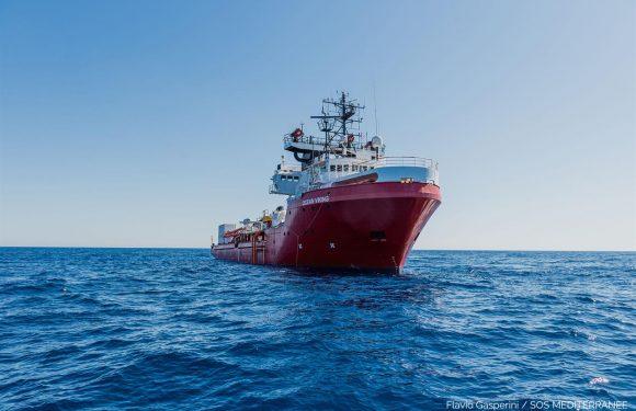 L'Ocean Viking dichiara lo stato di emergenza: naufraghi tentano il suicidio, minacce all'equipaggio