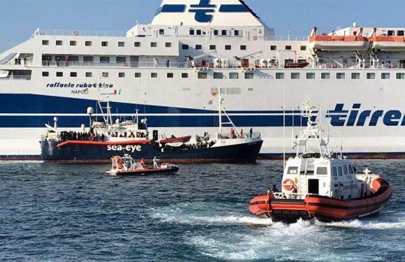 Navi quarantena: i silenzi del ministero delle Infrastrutture e i costi per i servizi di Croce Rossa