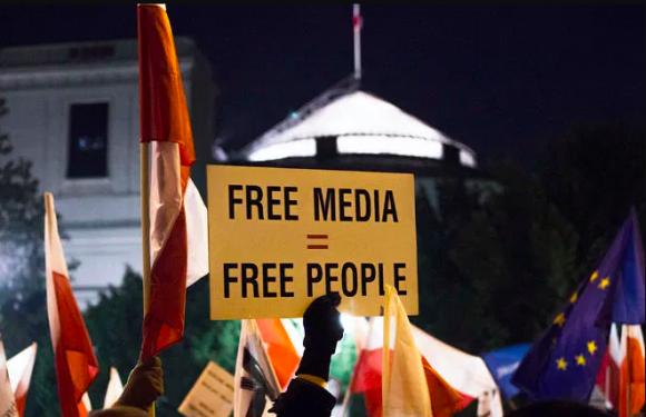 Ungheria, la scomparsa dei media indipendenti e l'egemonizzazione culturale