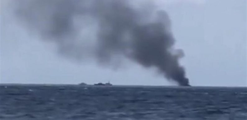 Barcone di migranti in fiamme davanti a Crotone, 4 morti