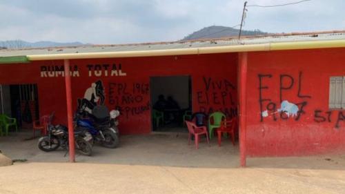 In Colombia i gruppi armati stanno usando la pandemia per rafforzarsi