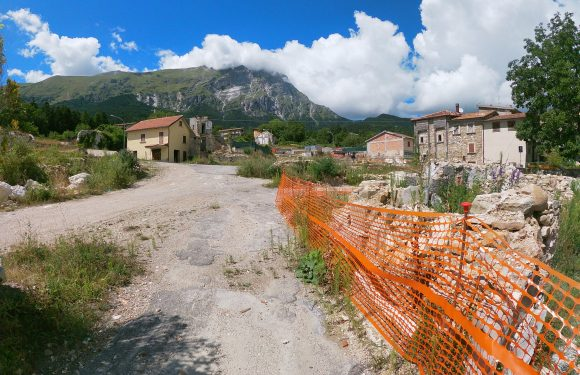 Ritorno nel cratere del terremoto del Centro Italia, dove la ricostruzione è ancora lontana