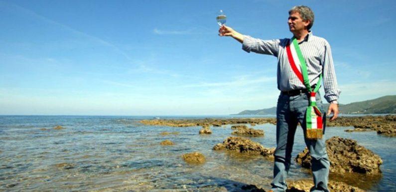 """Angelo Vassallo, la favola del """"sindaco-pescatore"""" attende giustizia da 10 anni"""