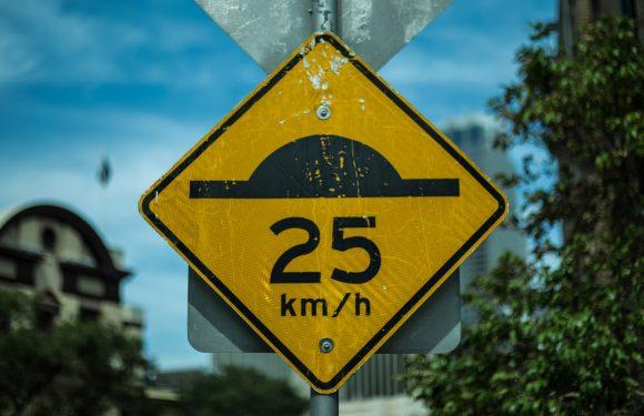 """Ciclabilità e lentezza: la """"mobilità sostenibile"""" è ormai un vestito troppo stretto"""