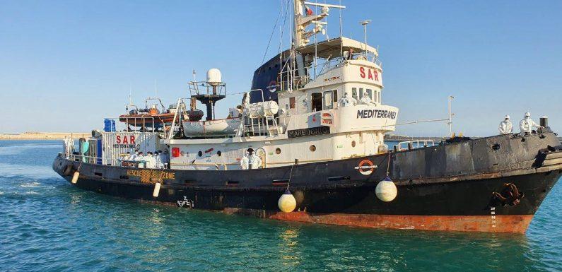 Vietato soccorrere: il Governo blocca anche la Mare Jonio