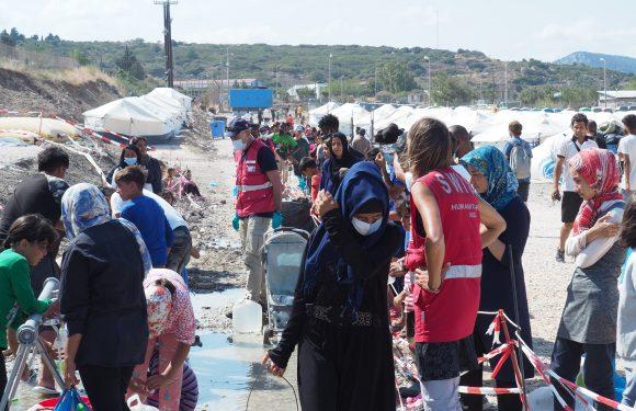 """Il nuovo campo dei rifugiati in Grecia è """"peggiore di quello di Moria"""". L'impegno dell'UE per accoglienza e richieste di asilo"""