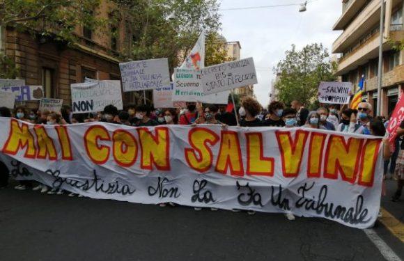 L'allegro funerale di Salvini a Catania