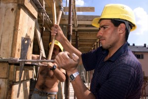 Più benefici che costi: il lavoro straniero in Italia visto dalla Fondazione Moressa