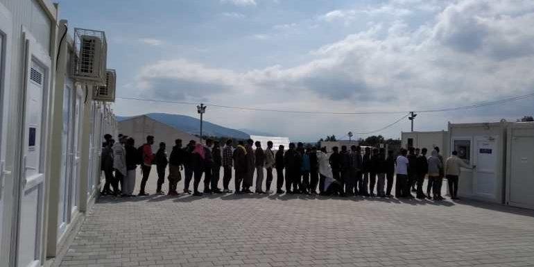 Rotta balcanica senza diritti per i migranti: in Bosnia sgomberato il campo di Bira