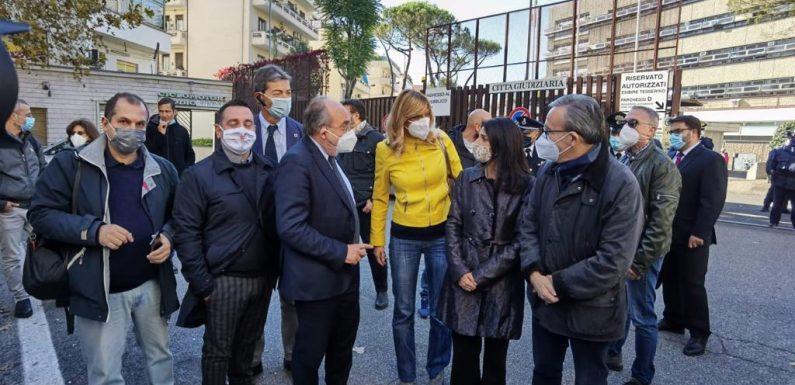 Scorta mediatica per Federica Angeli, Giulietti: «Sempre al fianco dei cronisti minacciati»