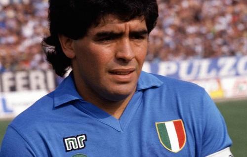 A Diego mio fratello, a Diego Maradona, rivoluzionario latinoamericano e napoletano