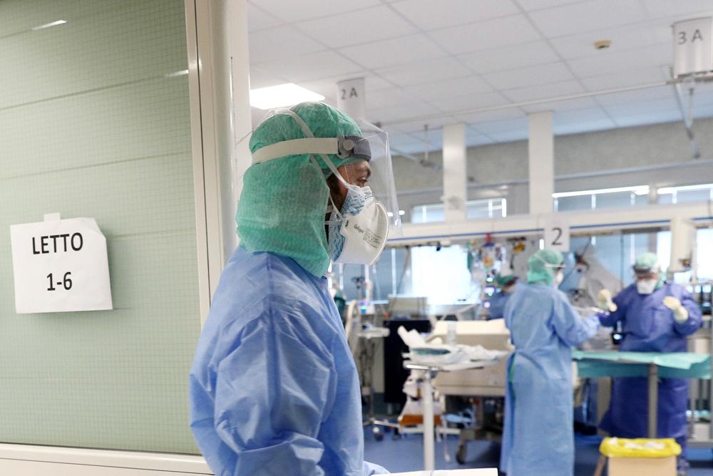 reparto di terapia intensiva all'ospedale della Nuova Poliambulanza per il coronavirus Brescia 19 Marzo 2020 foto Ansa Filippo Venezia-2