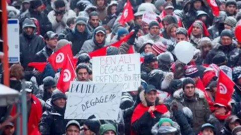 """Cosa rimane dopo 10 anni della """"primavera tunisina""""?"""