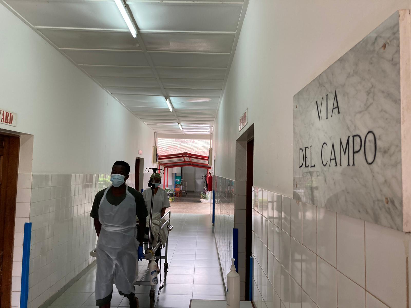 Via del Campo nell'ospedale in Sierra Leone