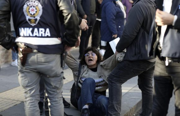 700 FERMI IN UNA SETTIMANA IN TURCHIA: SOLIDARIETA' ALL'HDP!