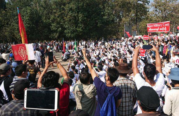 Dai generali alle violazioni dei diritti umani: i passi del colpo di Stato in Myanmar