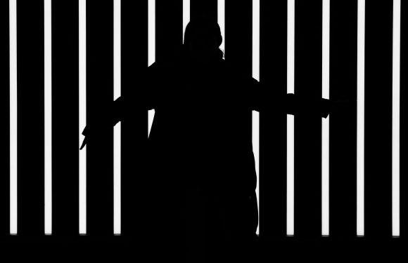 """I """"fantasmi"""" delle carceri italiane. Le storie degli internati ancora privati della libertà"""