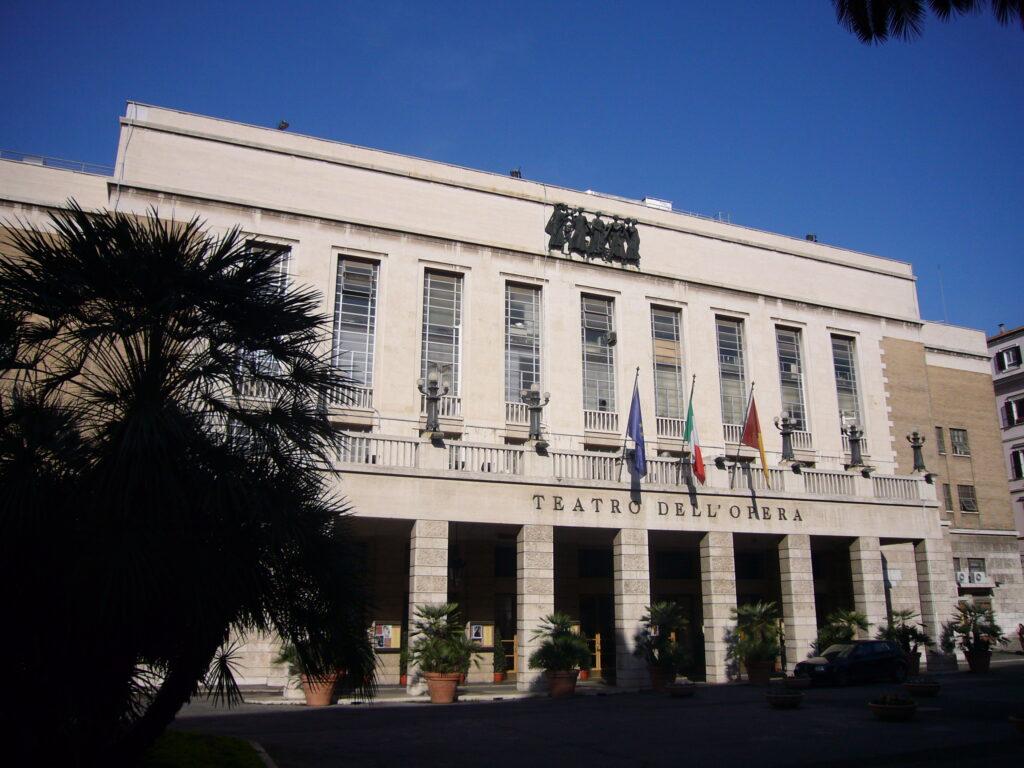 frontale: Teatro dell'Opera - Roma