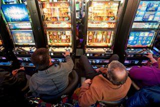 Gioco d'azzardo: in piazza per difendere la legge regionale
