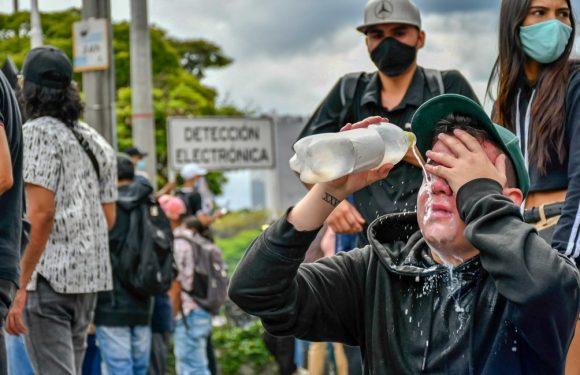 Colombia, continuano le proteste contro la riforma tributaria nonostante la violenza brutale della polizia che ha già fatto oltre 30 vittime
