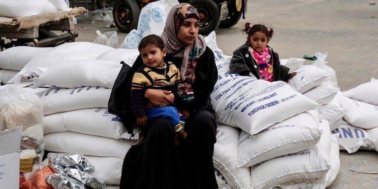 Fate entrare almeno gli aiuti umanitari!